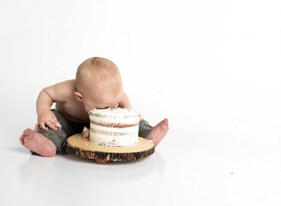 Cake Smash Photographers in Sydney