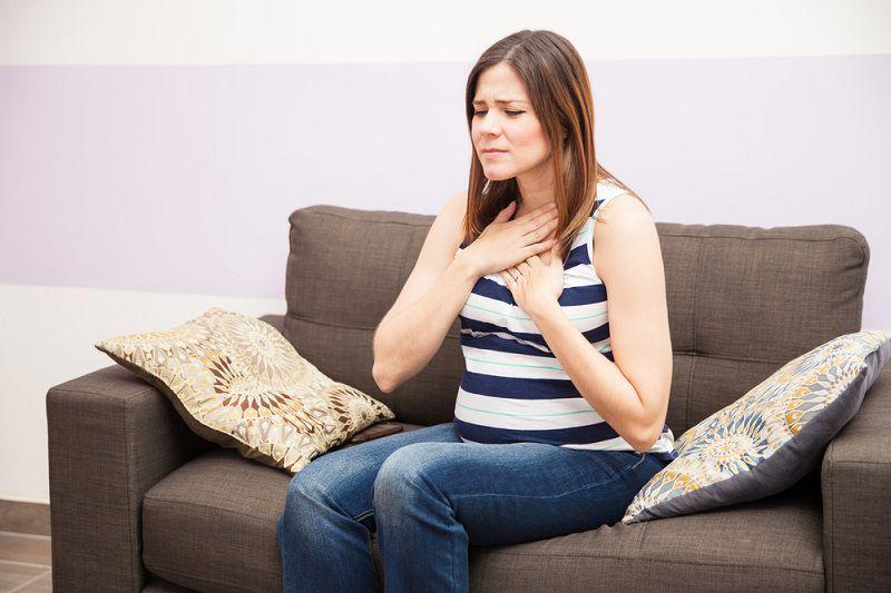 Heartburn_first_trimester_of_pregnancy_babyinfo