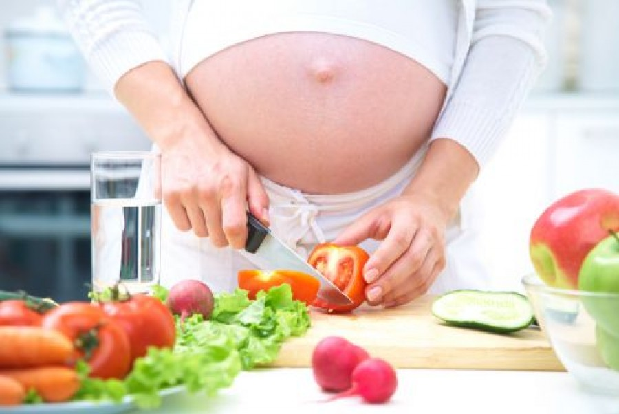 Is dieting safe while pregnant?