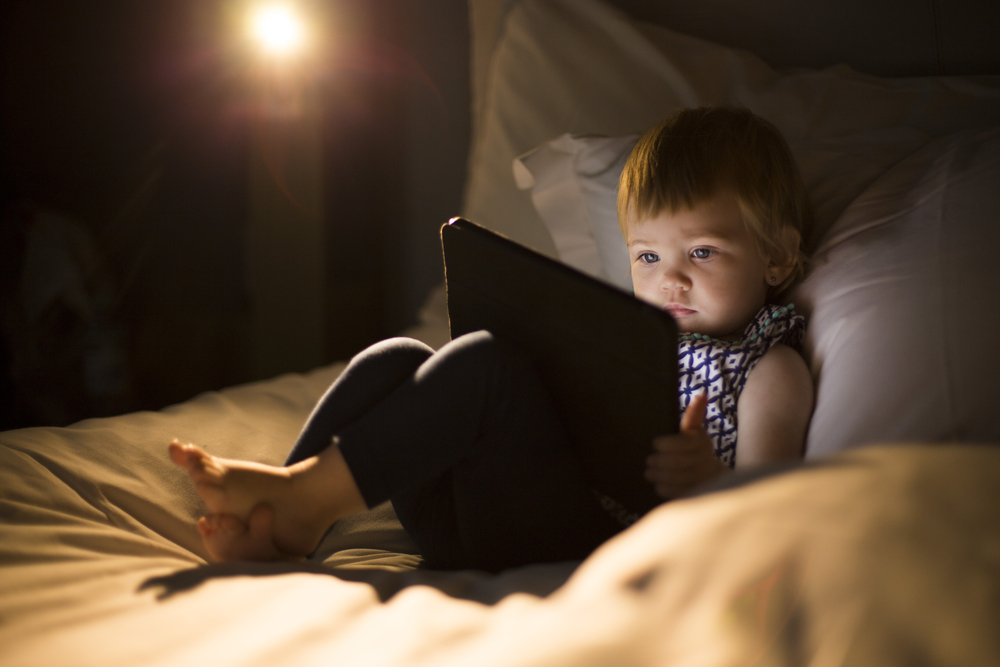 Negative effects of tablets and cell phones on babies