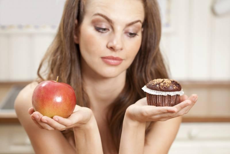 Sugar_foods_during_pregnancy_apple_vs_chocolate_babyinfo