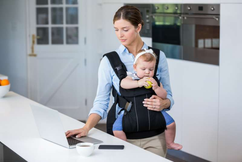 baby_carrier_mum_working_mother_babyinfo