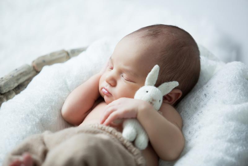 baby_sleeping_on_his_back
