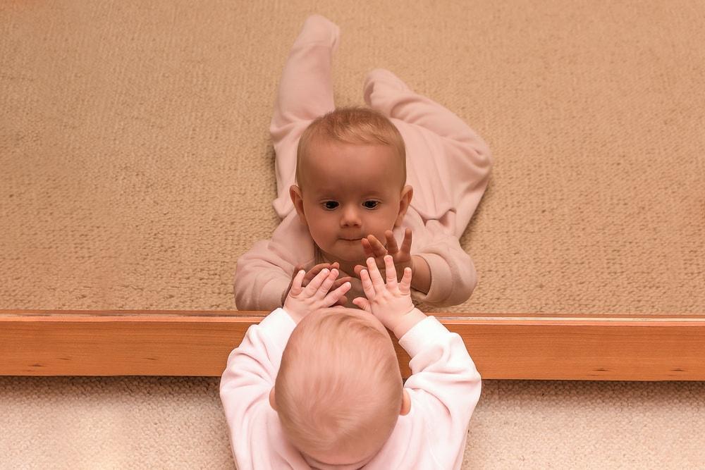 babyinfo infant mirror entertaining infants-min