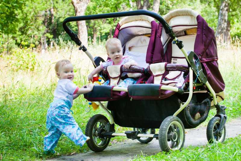 choosing_the_right_pram_or_stroller_double_stroller_babyinfo