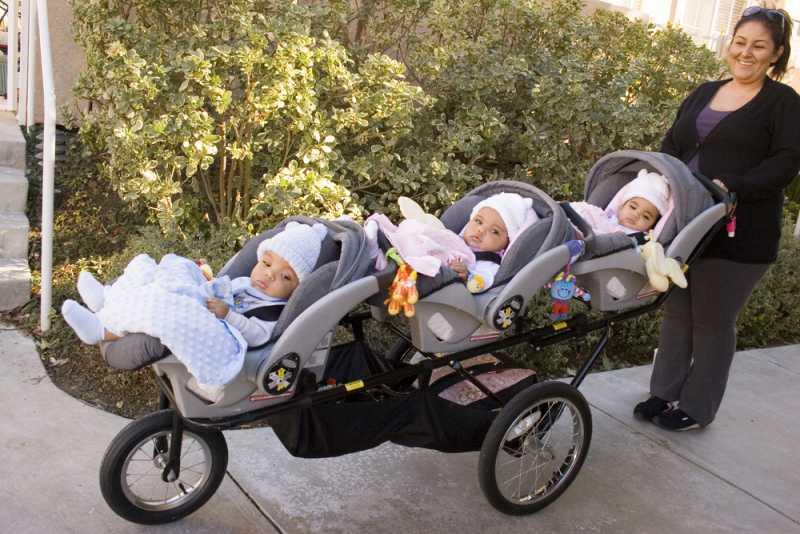 choosing_the_right_pram_or_stroller_triplets_babyinfo