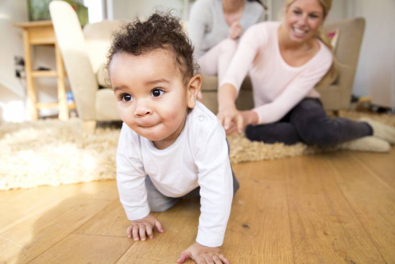 helping_your_baby_learn_discipline_crawling_baby_babyinfo