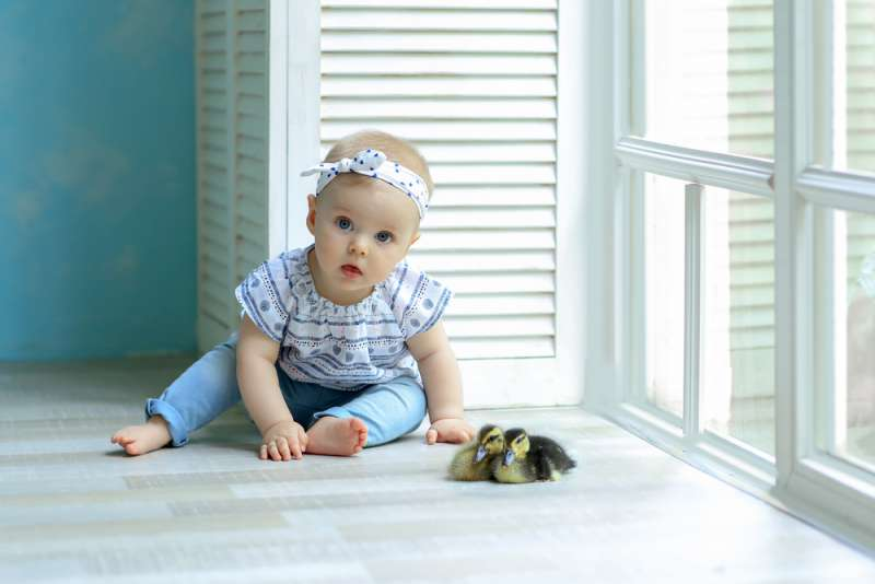 learning_to_sit_baby_girl_babyinfo_a_1556959298