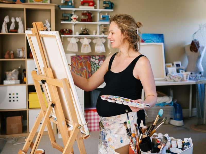 pregnancy_activities_painting_babyinfo