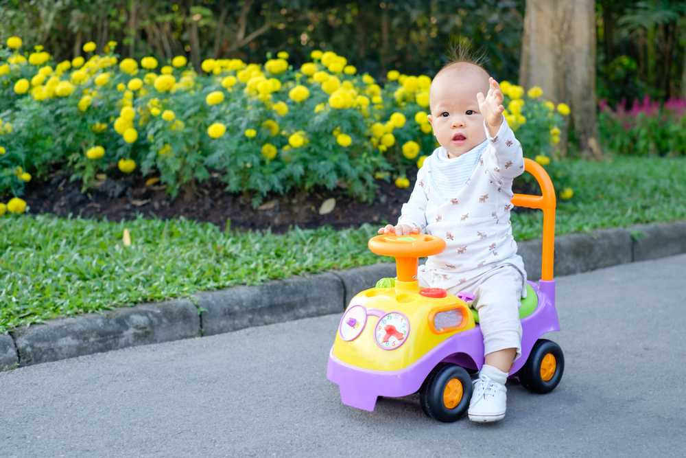 ride_on_cars_toys_for_toddlers_babyinfo