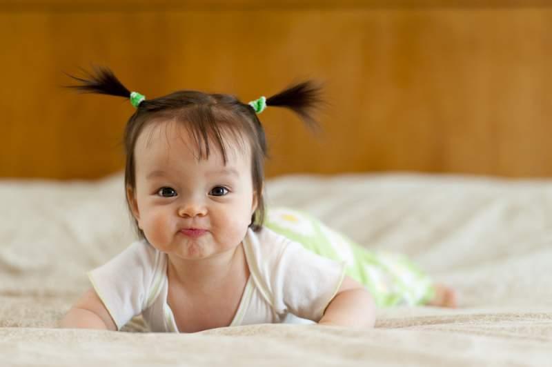 tummy_time_funny_newborn_babyinfo