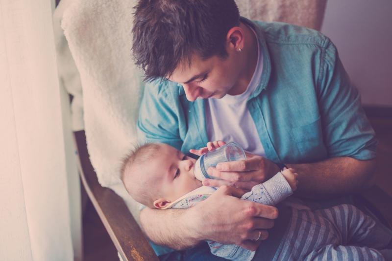 ways_fathers_can_bond_with_babies_eye_contact_babyinfo