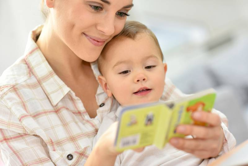 ways_for_your_baby_to_be_vocal_reading_to_baby_babyinfo